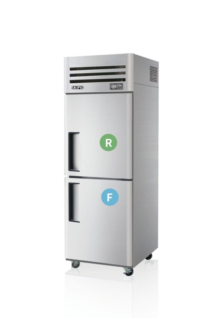 Skipio SRFT25-2 Reach-in Dual temp Refrigerator & Freezer